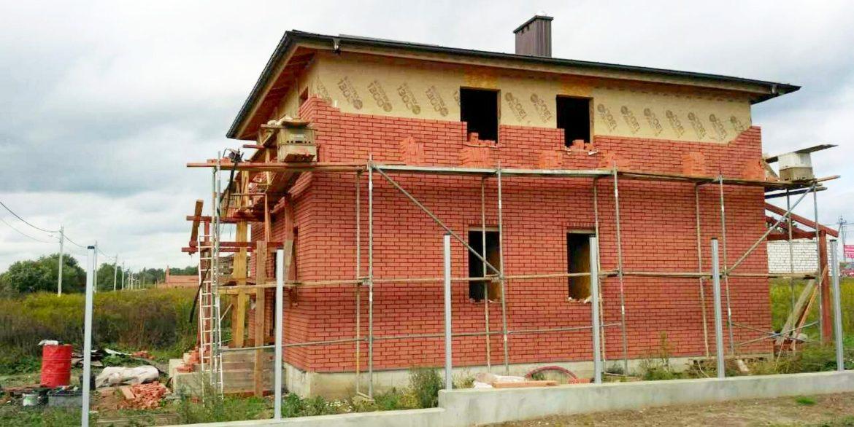 Строительство дома из SIP панелей - заканчиваем облицовку кирпичом