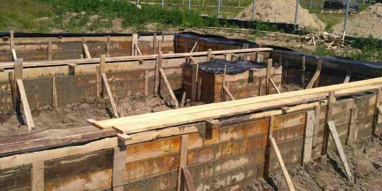 Строим дом из сип панелей - начинаем делать фундамент