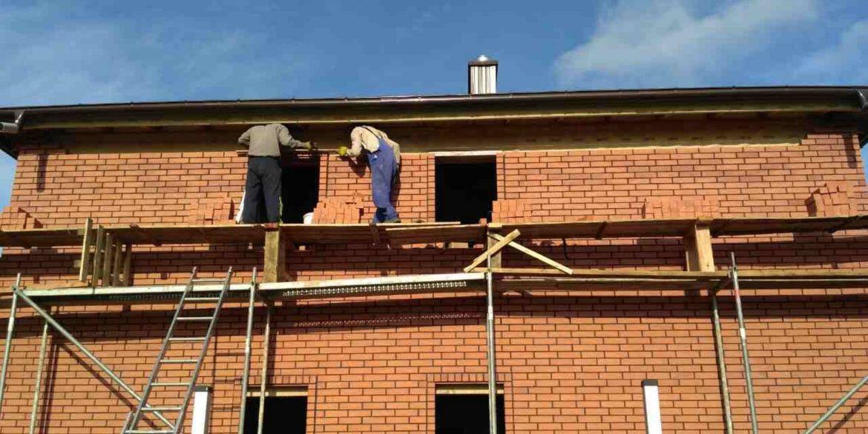 Дом из Сип панелей приобретает популярный в Калининградской области вид