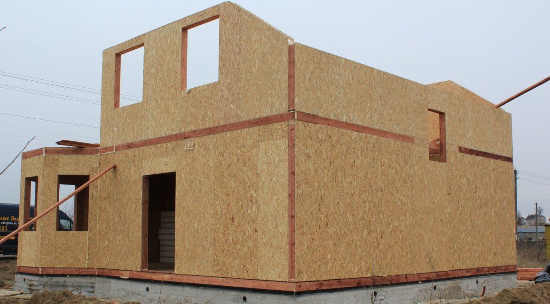 Двухэтажный дом из сип панелей -ставим стены фото-008