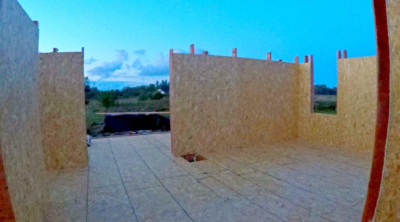 Этапы строительства сип дома. Дом приобретает свои очертания - фото 10